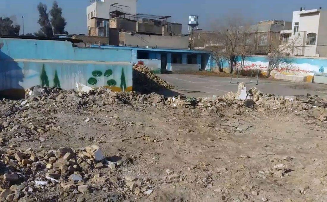 تخریب بنای قدیمی مدرسه در روستای محمودآباد